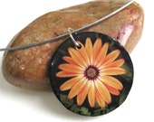Daisy Flower Photo Pendant - Double Sided Reversible Circle Pendant Necklace