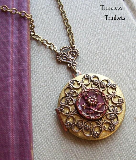 Chai, Locket with Antique Button