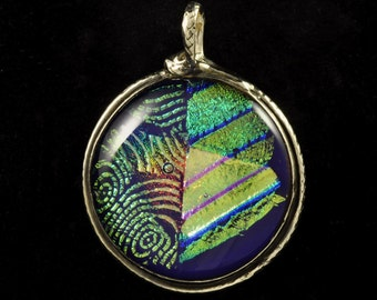 Dynamic dichroic glass and fine silver pendant
