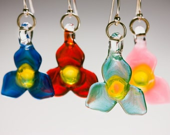 Glass Trillium Flower Earrings