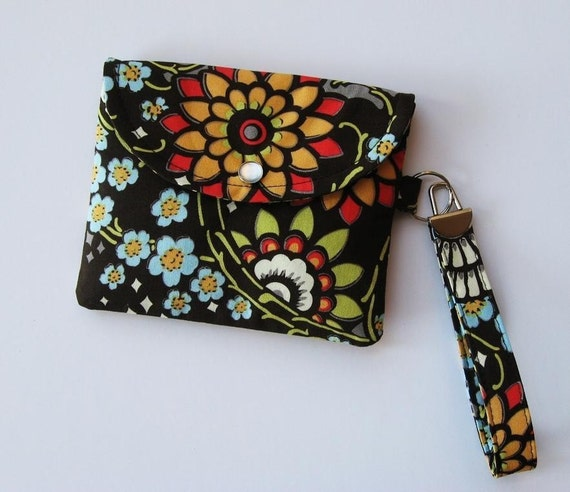 Sweet Pea Snap and Go Wristlet / Amy Butler fabric