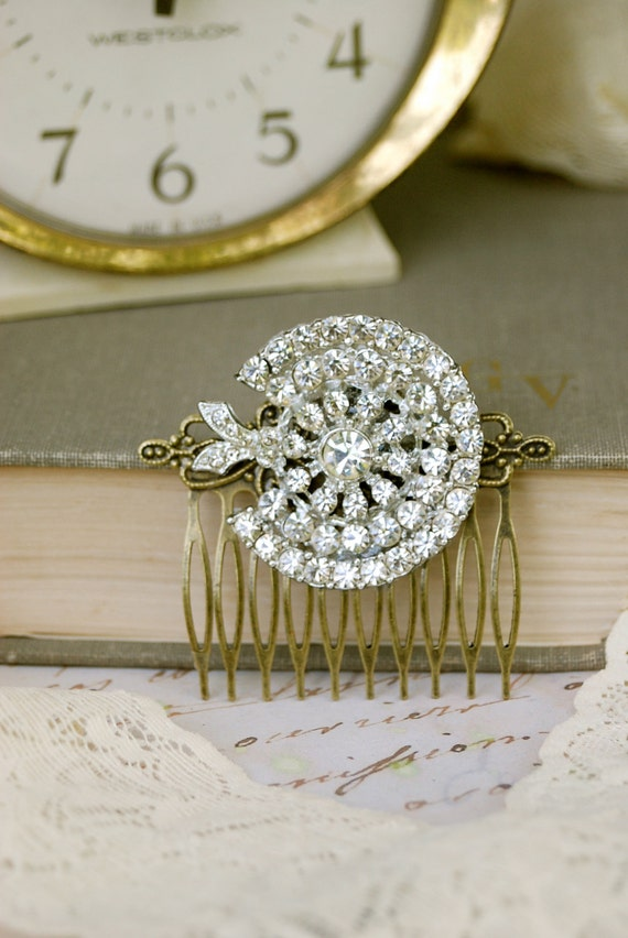 Brilliance. vintage rhinestone hair comb. Tiedupmemories