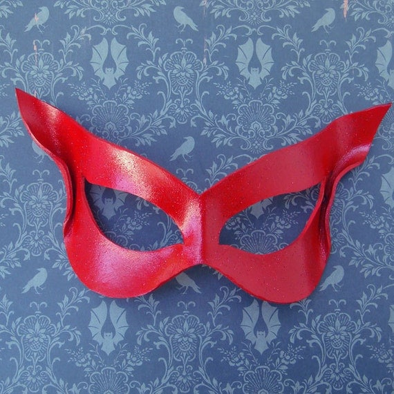 Crimson Cat -  Superhero Leather Mask In Cherry Red - LARP Cosplay Masquerade Halloween Costume