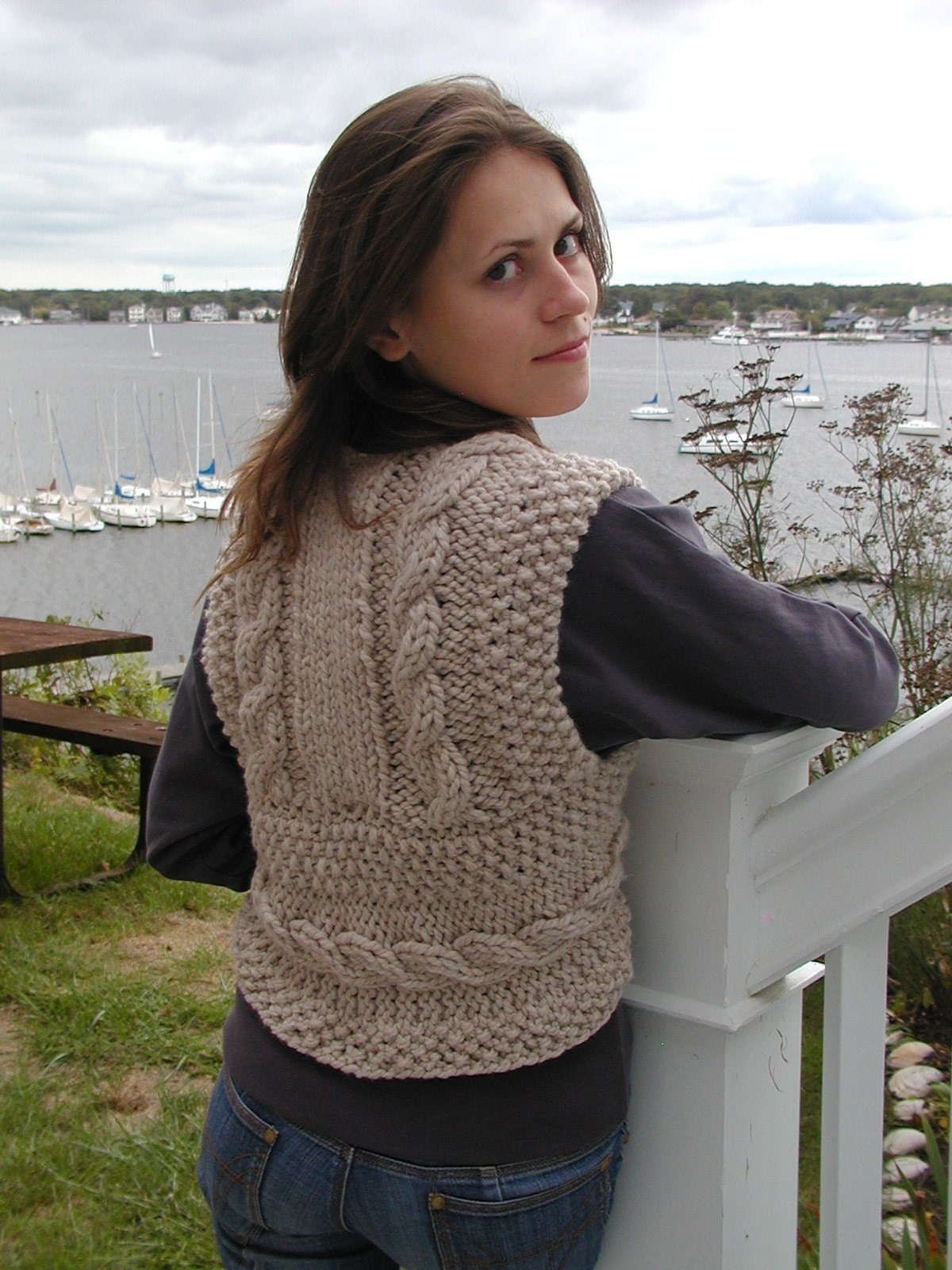 Vest Knitting Pattern Beginners : Bulky cable vest knitted in one piece quick and easy pdf