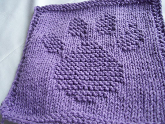 Hand Knitting Dish cloth/wash cloth Paw Print by needlepointnmore