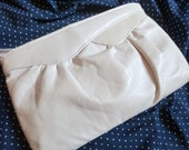 vintage 80s ivory faux leather clutch
