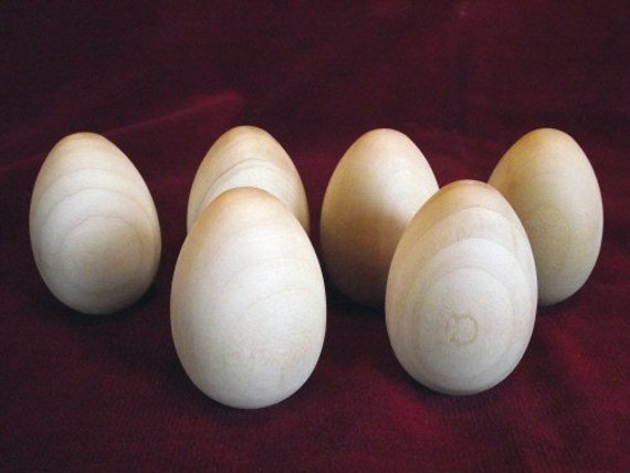 6 Wooden Hen Eggs 2-1/2 inch with flat bottom