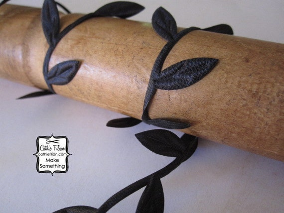 3 Yards - Black Leaf Trim - Wedding Garland Scrapbooking Gift Wrapping