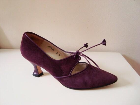 Lady Mary - Beautiful Purple Suede Heels. Size 6