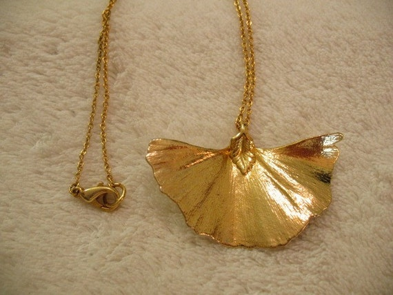Vintage Gold Dipped Ginko Leaf Necklace