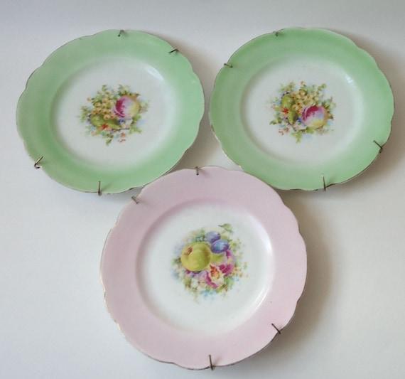 Vintage Decorative Plates 23
