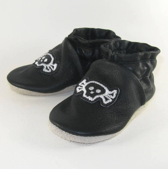 soft sole black leather baby shoes skulls 12 to 18 by kaboogie