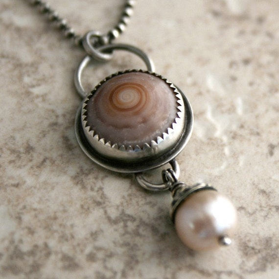 Hawaiian Shell Pearl Necklace, Maui Hawaii, Spiral Shell Jewelry