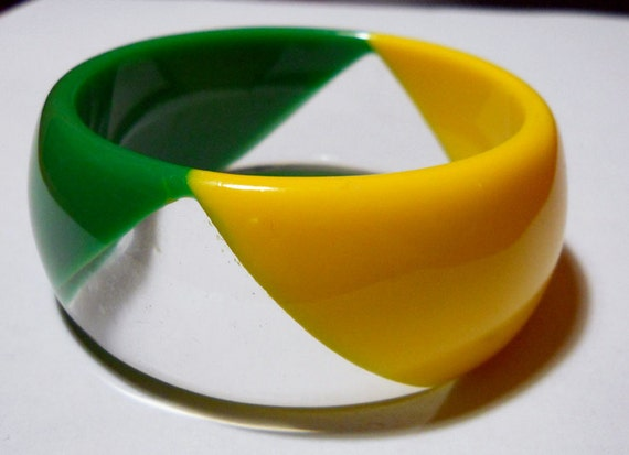 Geometric Green and Yellow Vintage Lucite Plastic Bracelet