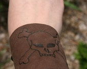 Jolly Roger Leather cuff