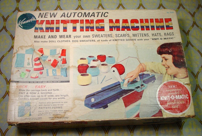 Amazing 1966 Vintage Knit O Matic Childrens Knitting Machine