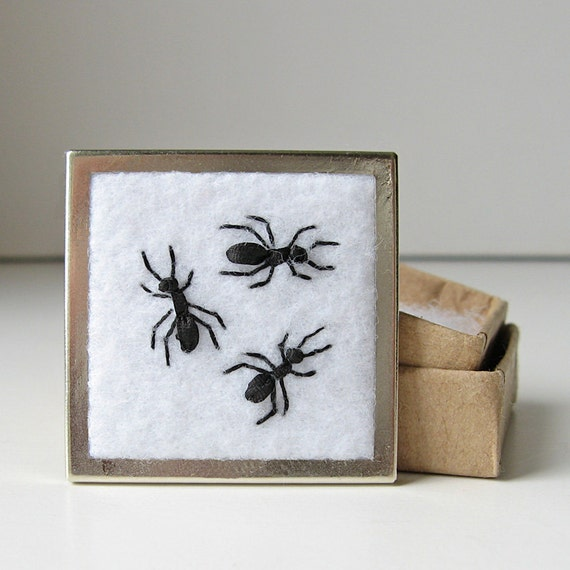 Ants brooch embroidered pin silk ribbon embroidery black