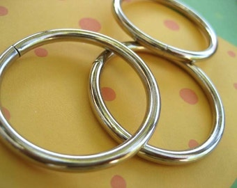 FREE SHIPPING--50 of 1 inch Non-Welded Silver/Nickel O-Rings