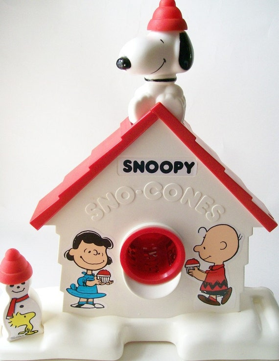 Vintage Snoopy Sno Cone Machine
