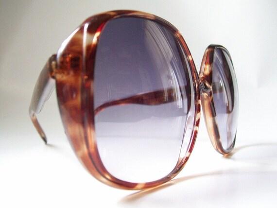 Large Frame Tortoise Shell Glasses : Vintage Tortoise Shell Frame Sunglasses with Big Blue Lenses