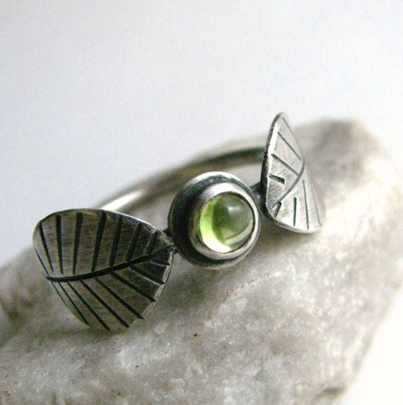 Peridot Ring, Sterling Silver Leaf Ring, August Birthstone, Metalsmith Ring, Green Gemstone Ring, Silversmith Jewelry, Argentium Jewelry