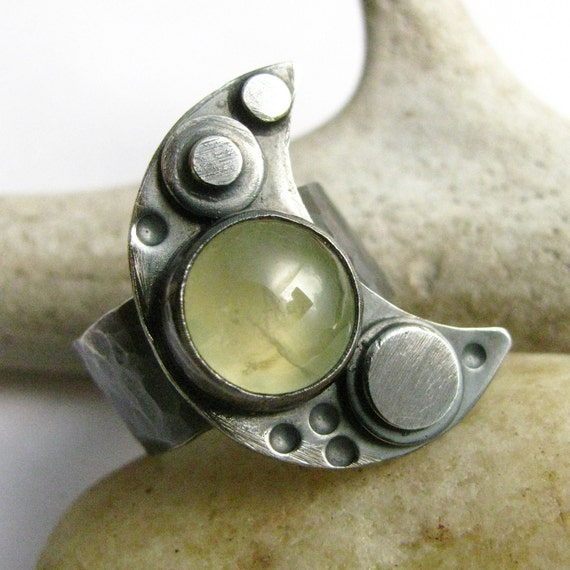 Unisex Prehnite Ring Sterling Silver Crescent Moon Size 10 Ring  - Artisan Metalwork Jewelry -  Green Gemstone  Rustic Jewelry
