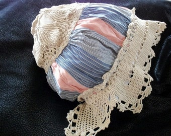 A 423 1920s Childs Or Dolly Bed Cap Handmade Silk Irish And Fillet Crochet Lace Treadle Made