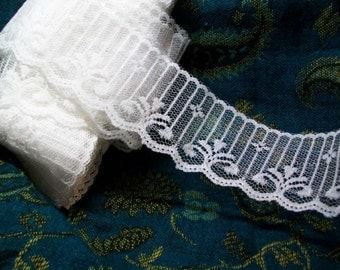 Vintage White Lace Picket Fence Yardage Flat Val Trim Edging    WL 008
