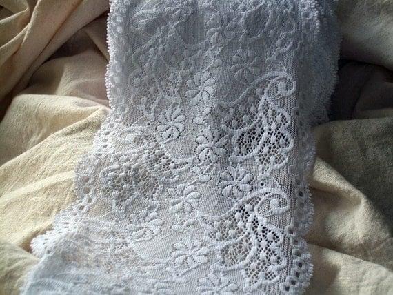 DA Natasha White Burano Patterned Firebird Swirls Stretch Lace 5 Inches Wide BTY
