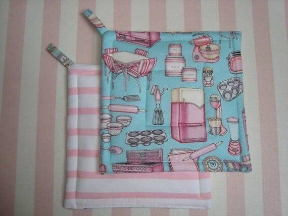 Retro Vintage... Pink Kitchen.. Aqua... Potholders