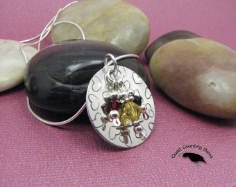 """Queen of Hearts, Hand Stamped 1"""" Round, Sterling Silver"""