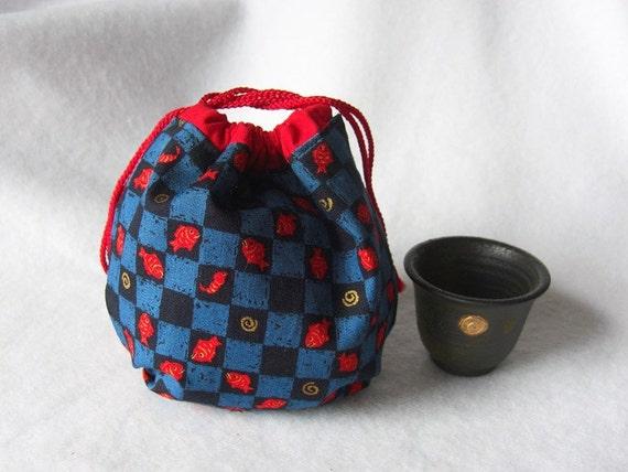 JAPAN relief -- Yarn cozy -- Round drawstring bag