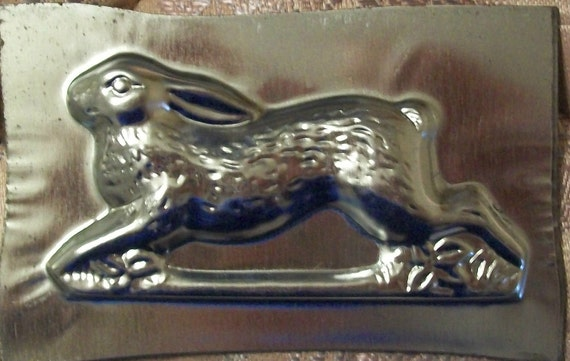 Vintage Metal Chocolate Candy Mold Running Old World Rabbit hare