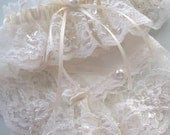 Weddings, Garter, Wedding Garter, Bride's Wedding Garter with Hanky in  White or Ivory Heirloom Chantilly Lace