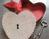 Keyhole Heart Candy Container