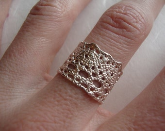 Lilibet Lace ring in sterling silver-featured at Anthropologie