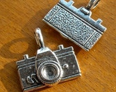 charms  jewelry findings silver CAMERA CHARM  quantity 4  nyb12  supplies retro bracelet