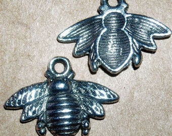 bumble bee tibetan silver charms jewelry findings  ts14