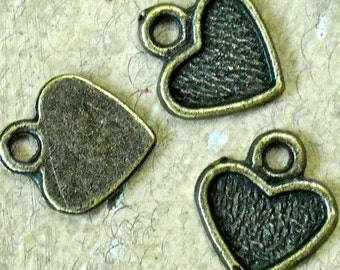 5 small heart bezels antiqued bronze  charm  quantity 5     tu16