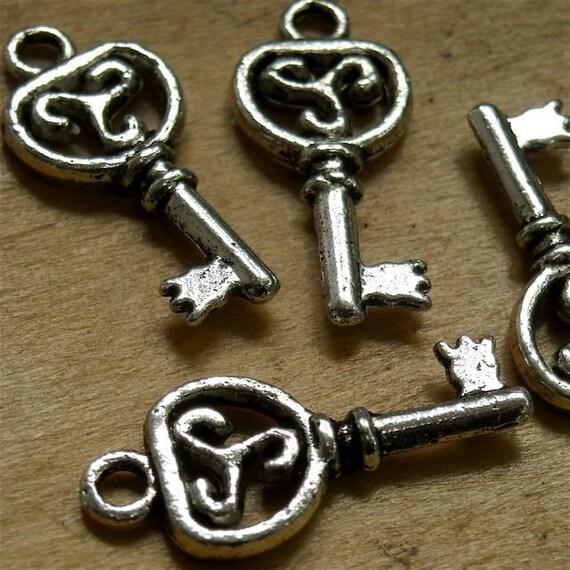 c3 Tibet Silver Key Bali style  vintage type skeleton key charm pendant  quantity  six  measures  22 x 10 mm