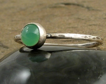 Sterling Silver Chrysoprase Stacking Ring Slim Thin Band Green Ring Hammered Silver Ring