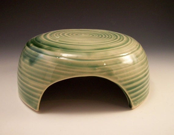 Hand Made Pottery Toad House in Emerald Green