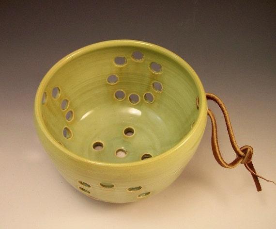 Berry Bowl /Colander/Fruit Serving Bowl/Berry Basket