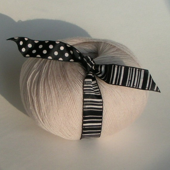 yarn CASHMERE lace laceweight NATURAL White 100 grams approx 1000 yards Cassie knitting 100 percent cashmere indulge