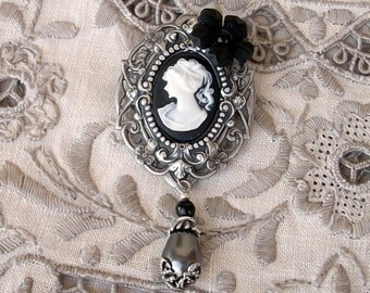 Black Cameo Brooch Pin Gothic Jewelry victorian brooch Gothic Broach Victorian Elegant Gothic Lolita // Black Pearl Flower Romantic Jewelry