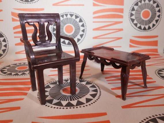 Renewal Dollhouse Chair and Coffee Table (One Inch Scale)
