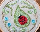 Ladybug on a Leaf Crewel Embroidery Kit