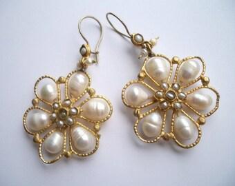 Queen Pearl earring