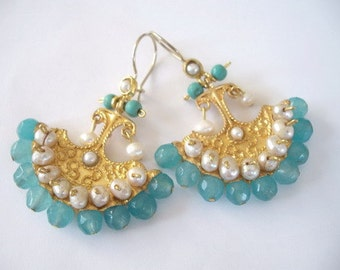 Pearl and aquamarine earring