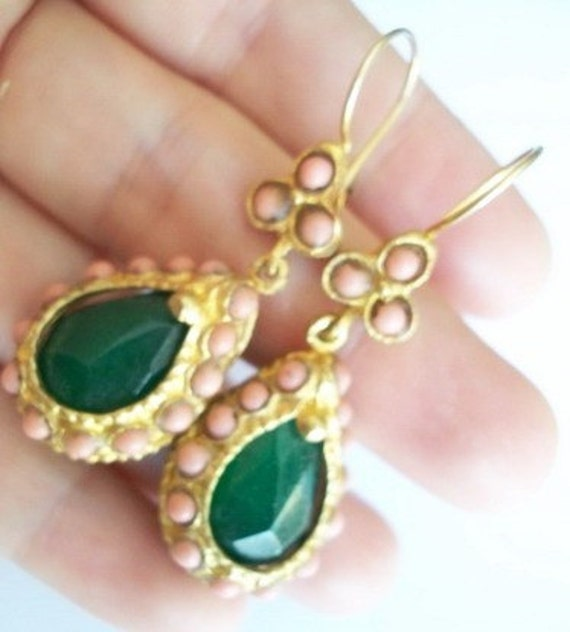 Jade and Naturel Coral earring